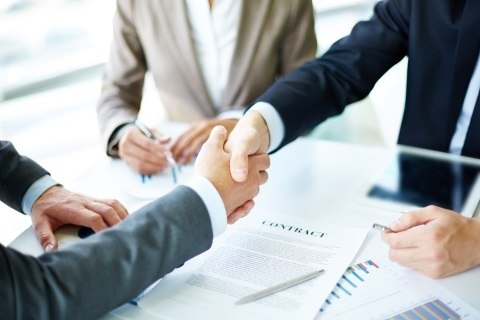 Jak skutecznie prowadzić rozmowę handlową w branży ubezpieczeniowej